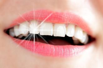 صوره خلطات تبيض الاسنان , بالفيديو خلطة تبيض الاسنان فى البيت