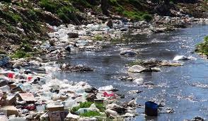 بالصور اسباب تلوث الماء , كيفيه فساد المياه وتلوثها 4986 9
