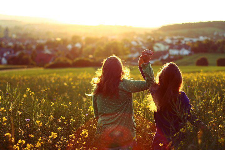 صور شعر عن الصديقة , اجمل شعر عن الصديقة