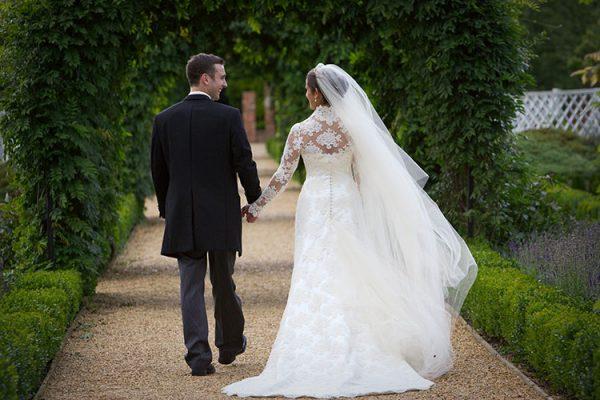 بالصور صور عريس وعروسة , اجمل الصور بين العرائس فى يوم الزفاف 1019 2