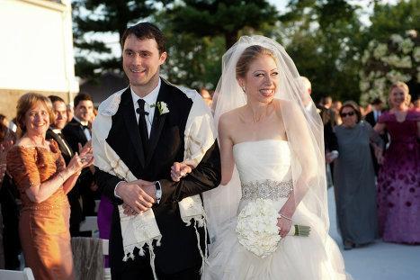 بالصور صور عريس وعروسة , اجمل الصور بين العرائس فى يوم الزفاف 1019 6