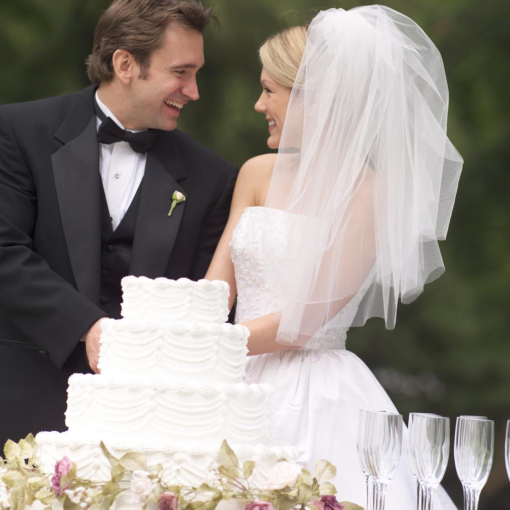 بالصور صور عريس وعروسة , اجمل الصور بين العرائس فى يوم الزفاف 1019 9