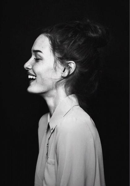 بالصور صور بنت تضحك , اجمل البنات المبتسمة 1714 2