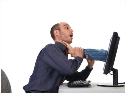 بالصور اضرار الانترنت , مشاكل الانترنت الكثيره 2321 13