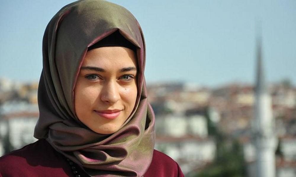 فتيات لبنان محجبة