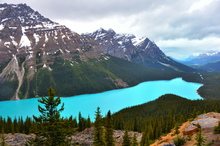 بالصور اكبر بحيرة في العالم , اعظم بحيره فى العالم 3377 2