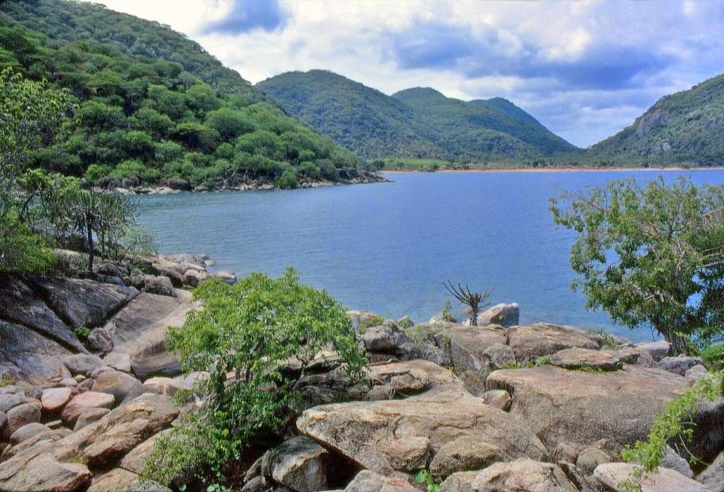 بالصور اكبر بحيرة في العالم , اعظم بحيره فى العالم 3377