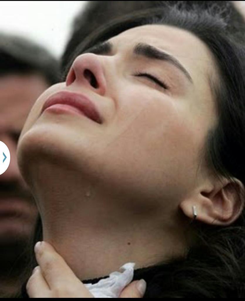بالصور صور دموع حزينه , فوائد وانواع الدموع 3948 3