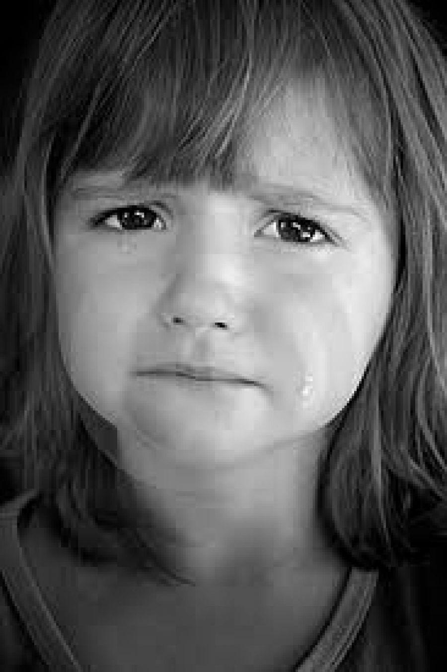 بالصور صور دموع حزينه , فوائد وانواع الدموع 3948 6
