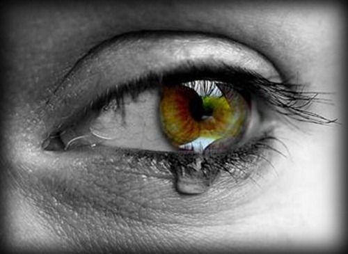بالصور صور دموع حزينه , فوائد وانواع الدموع 3948 8