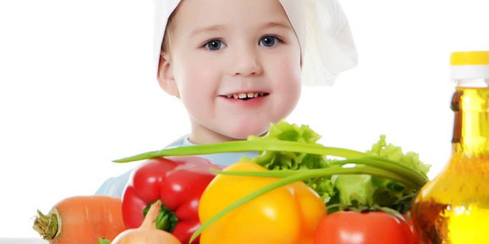 صورة تغذية الطفل , اساسيات وطرق رائعه لتغذيه الطفل