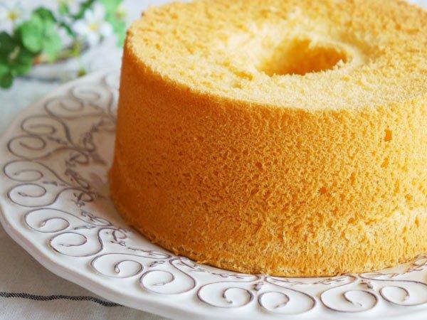 بالصور طريقة عمل الكيكة الاسفنجية بالصور , طرق بسيطه لعمل الكيكات الاسفنجيه المختلفه الرائعه 1215 2