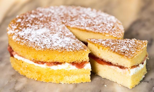 بالصور طريقة عمل الكيكة الاسفنجية بالصور , طرق بسيطه لعمل الكيكات الاسفنجيه المختلفه الرائعه 1215 4