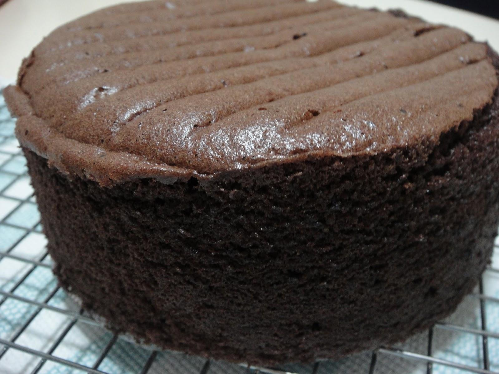 بالصور طريقة عمل الكيكة الاسفنجية بالصور , طرق بسيطه لعمل الكيكات الاسفنجيه المختلفه الرائعه 1215 5