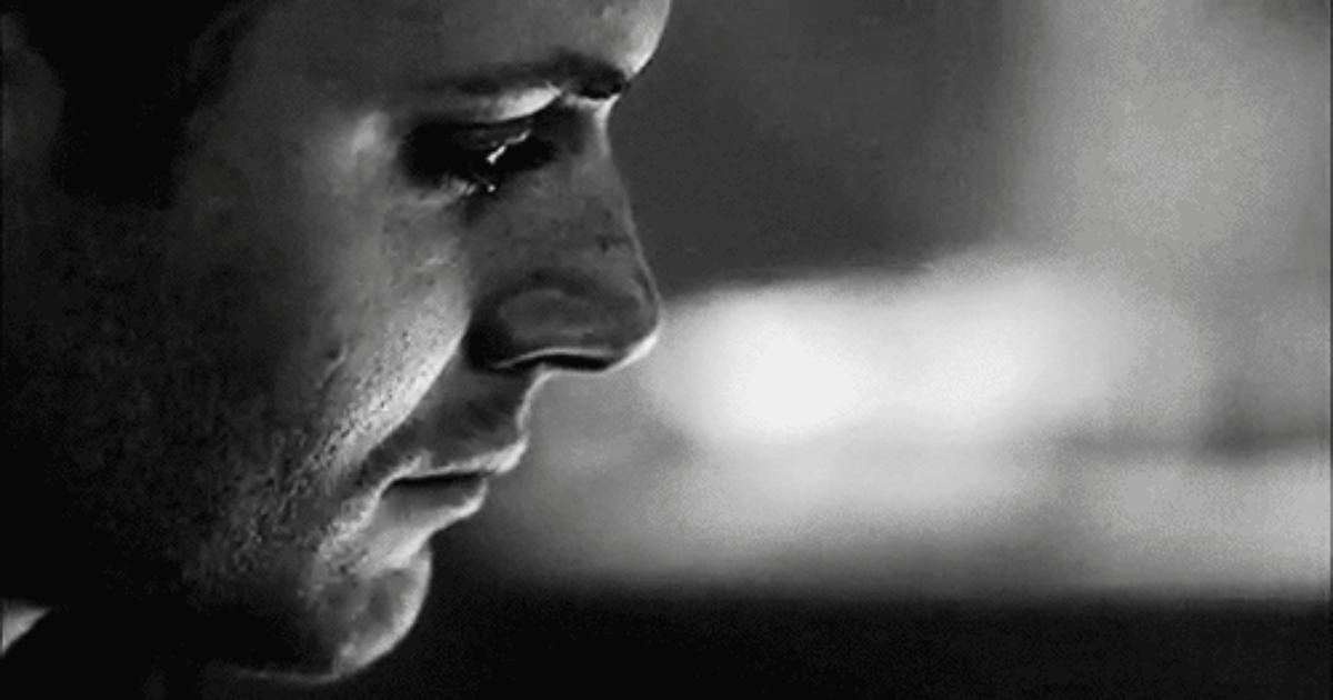 صور رجل يبكي , صورة مؤثرة لدموع الرجل