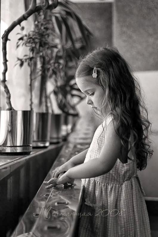 بالصور طفلة حزينة , صور مؤثرة جدا لبنات حزينه وحيدة 646 3