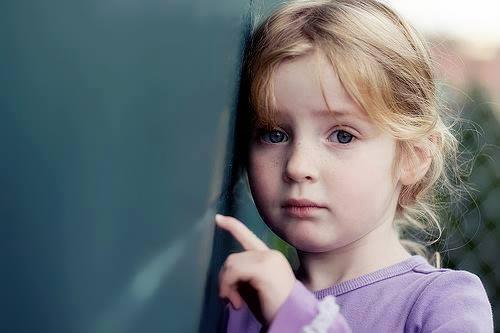 بالصور طفلة حزينة , صور مؤثرة جدا لبنات حزينه وحيدة 646 5