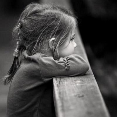 بالصور طفلة حزينة , صور مؤثرة جدا لبنات حزينه وحيدة 646 6