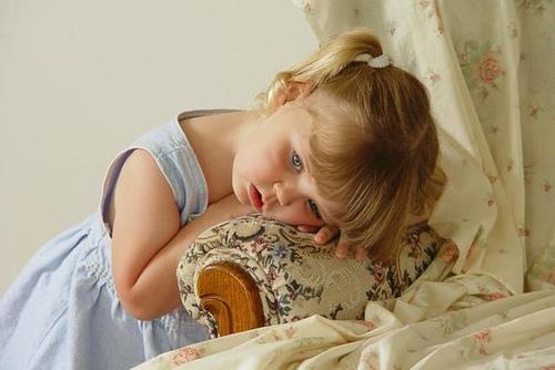 بالصور طفلة حزينة , صور مؤثرة جدا لبنات حزينه وحيدة 646 7