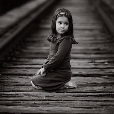 بالصور طفلة حزينة , صور مؤثرة جدا لبنات حزينه وحيدة 646 8