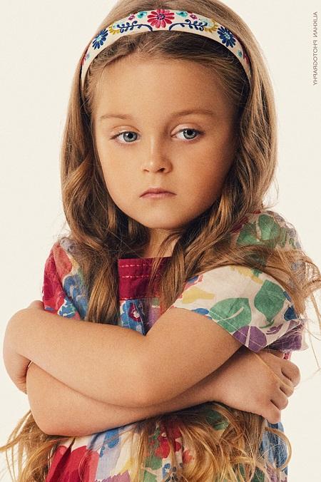 بالصور طفلة حزينة , صور مؤثرة جدا لبنات حزينه وحيدة 646 9