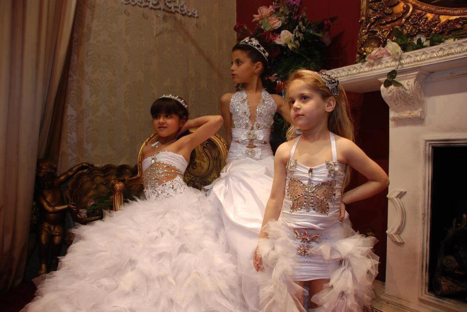 بالصور فساتين بنات صغار للاعراس , اجمل ملابس للبنات 12569 11