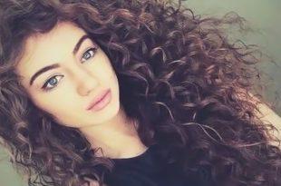 صورة شعر كيرلي طبيعي , اجمل قصات الشعر