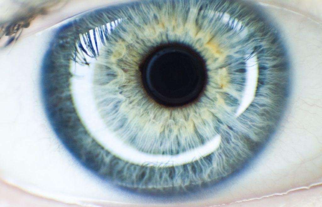 صورة قصتي مع العين , الحسد والاصابه بالعين واشهر القصص